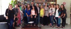 """17 jóvenes CFGM """"Cuidados Auxiliares de Enfermería"""" visitan la Policlínica Miramar"""