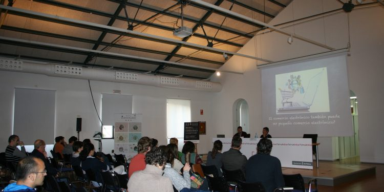 PalmaActiva ofrece formación sobre las posibilidades del comercio electrónico local y de proximidad