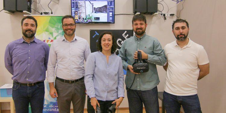 """El alcalde visita a los emprendedores de """"The Vrand"""", ganadores de los premios PalmaActiva de Impulso a la Innovación"""