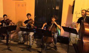 20 establecimientos de la Asociación del Barrio de las Artes y los Oficios del Carmen y la Misión se suman a la Nit de l'Art