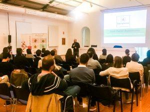 La sala de conferències de PalmaActiva s'omple per parlar sobre creativitat i innovació