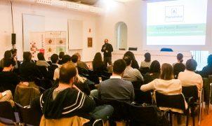 La sala de conferencias de PalmaActiva se llena para hablar sobre creatividad e innovación