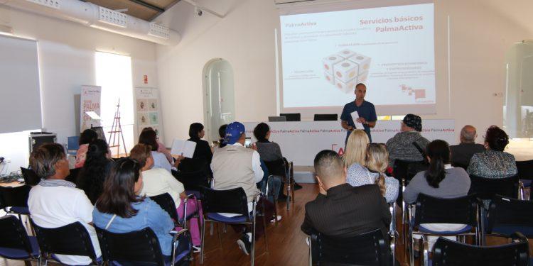 PalmaActiva apropa els seus serveis a la Plataforma de la Immigració