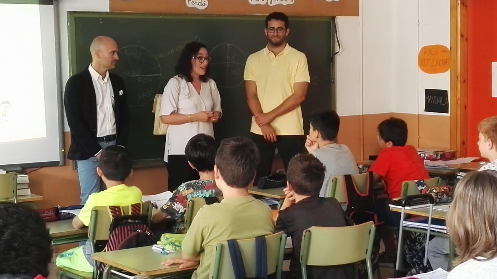 """L'alumnat del col·legi Son Canals coneix el petit comerç gràcies al projecte """"Comerç i escola"""" de PalmaActiva"""