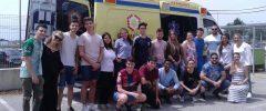 16 jóvenes del CP Auxiliar transporte sanitario de Cruz Roja Juventud Islas Baleares visitan una UVI Móvil del «Grupo Ambuiberica»