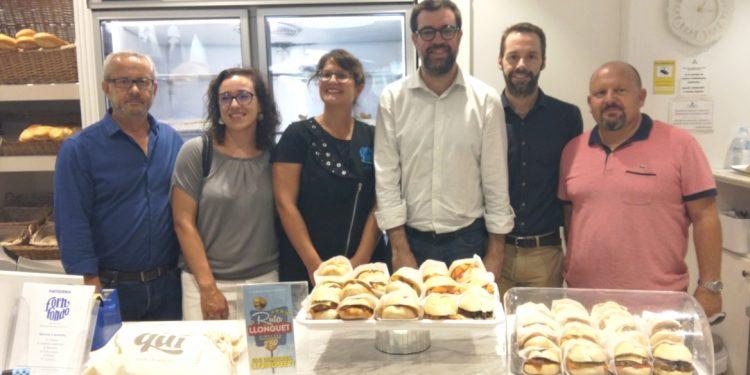 El Ayuntamiento de Palma apoya la Ruta del panecillo, gracias a la que cada miércoles se venden 4.000 unidades