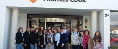 23 jóvenes del CFGM Administración del IES Son Pacs y 2 profesores visitan Thomas Cook