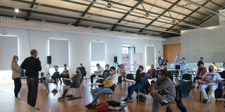 Comencen a PalmaActiva els programes de formació i ocupació SOIB Jove i SOIB 30, gràcies als quals 50 persones faran feina i es formaran a l'Ajuntament de Palma