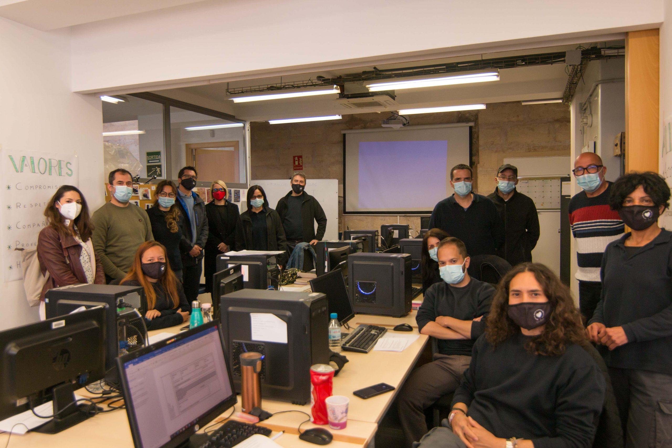 Gracias al programa SOIB 30 PalmaMicromachine V, 10 alumnos se forman y trabajan en el sector del mantenimiento de sistemas microinformáticos