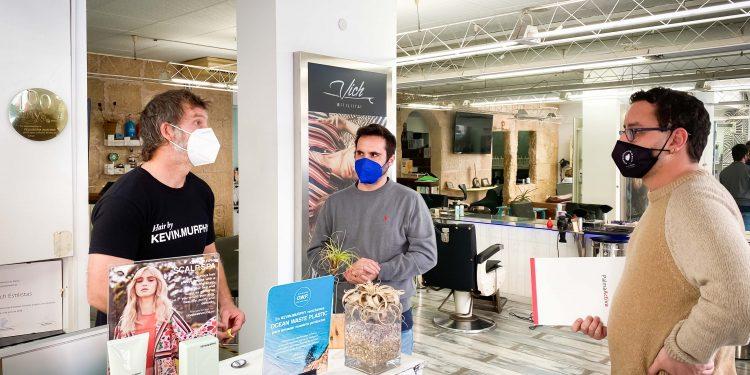 PalmaActiva reparte 4.500 mascarillas en apoyo al comercio de proximidad