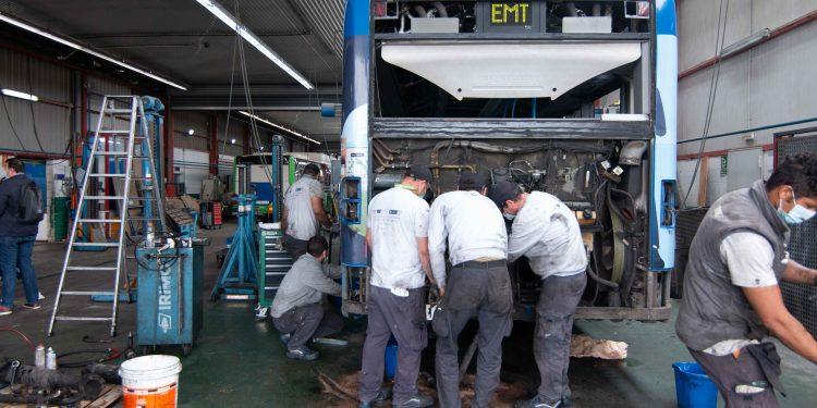 20 alumnos están obteniendo certificados de profesionalidad de carrocería y de electromecánica de vehículos gracias a PalmaActiva y a los programas de formación y empleo SOIB Jove y SOIB 30